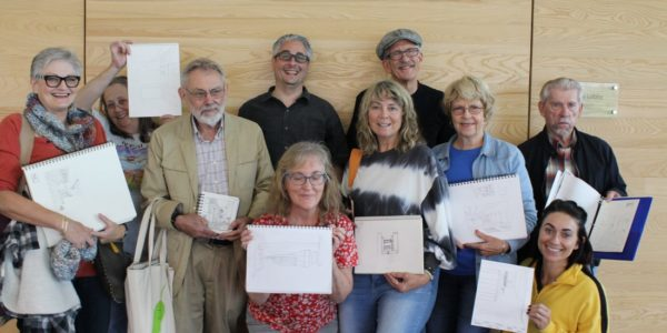 Kent Smith's drawing students pose for a group photo